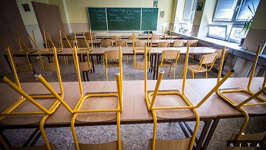 Zavretá trieda či škola? Za akých...