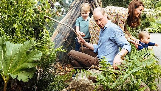 FOTO Toto je kráľovský relax. Princ Wiliam a...