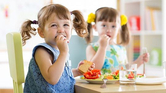 Ako naučiť škôlkara zdravo jesť?...