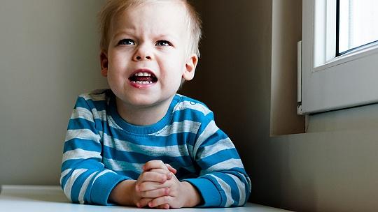 Čo robiť, keď sa dieťa hnevá a...