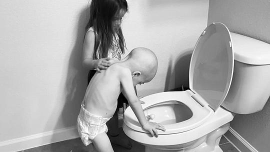 Srdcervúca fotografia: Sestra sa stará o...