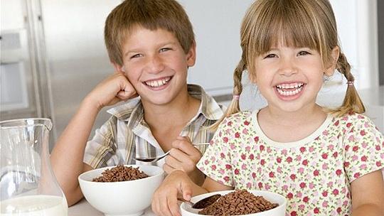 V školských jedálňach sa začalo variť...