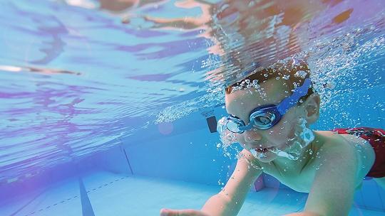 Chýbajú bazény, kurzy nie sú povinné. Deti...