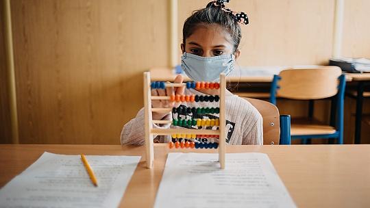 Až 70 percent rómskych žiakov sa nezapojilo...