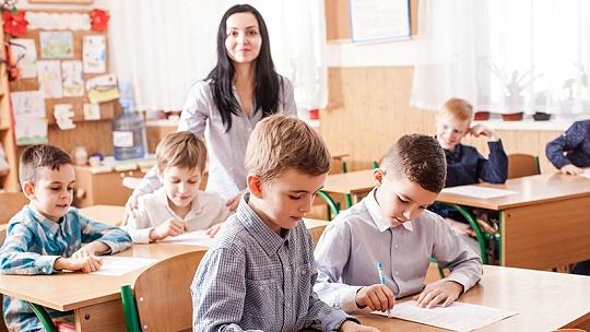 Školy a škôlky otvorili. Rodičia a...